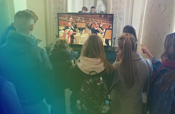 Unsere Bilanz: Ein Jahr digitale Ausstellung